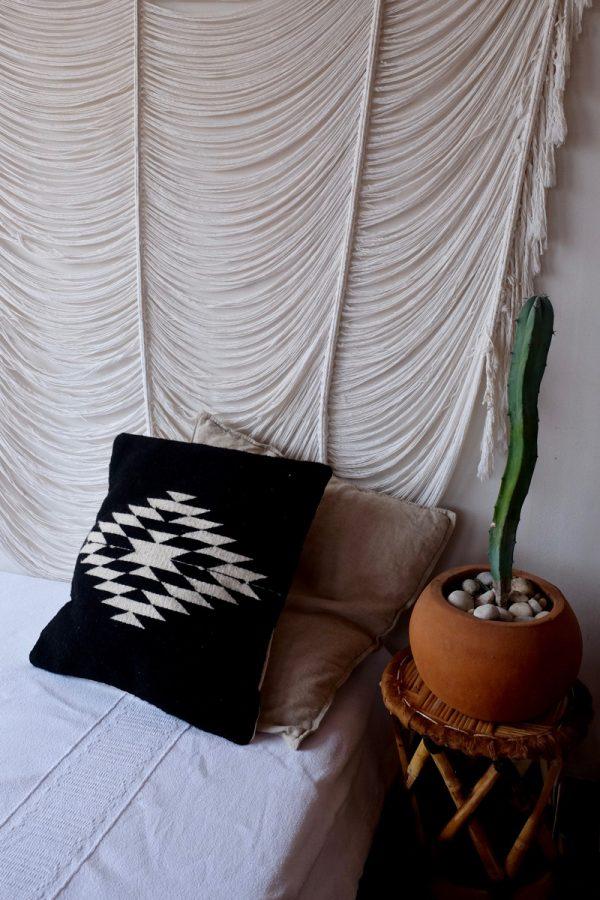 Zapotec Diamond Handmade Cushion | Black-
