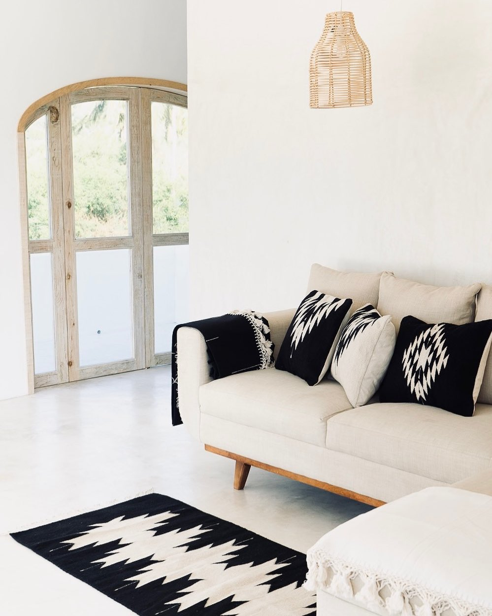 black and white home decors