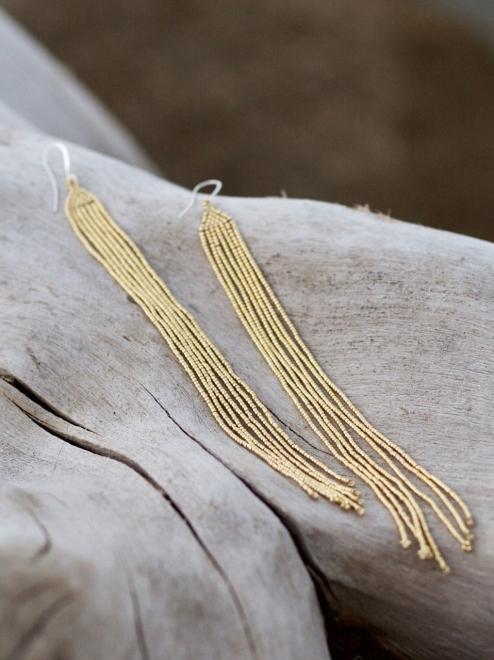 Lahmu earrings in metallic gold