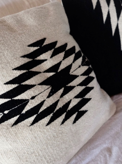 Zapotec Handwoven cushion | Natural + Noir
