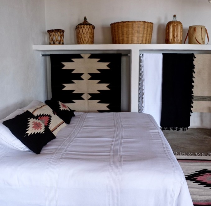 Handwoven Mexican blanket | white