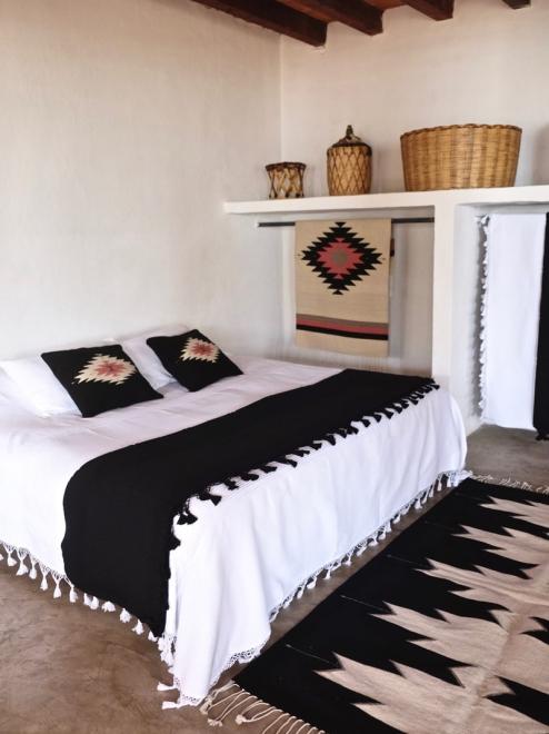Small Zapotec diamond rug in desert rose