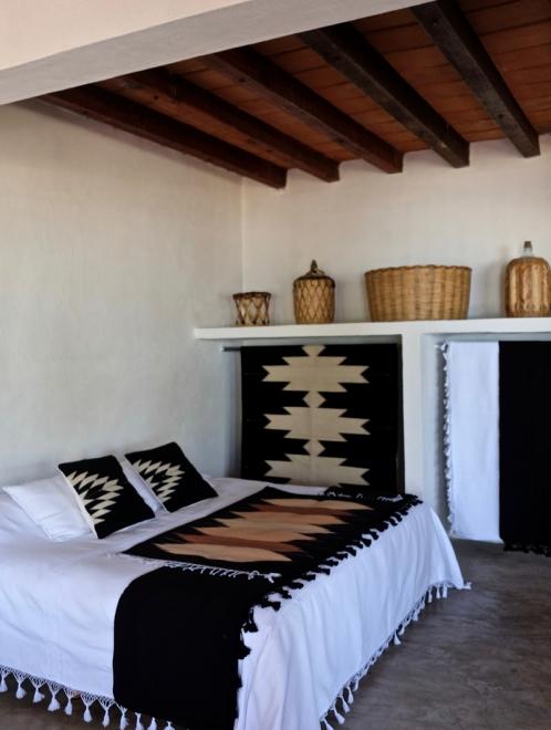 Relampago Cushion in Black
