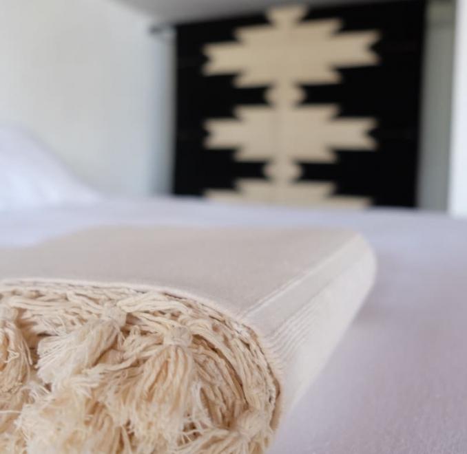 Cotton tassel blanket   Natural
