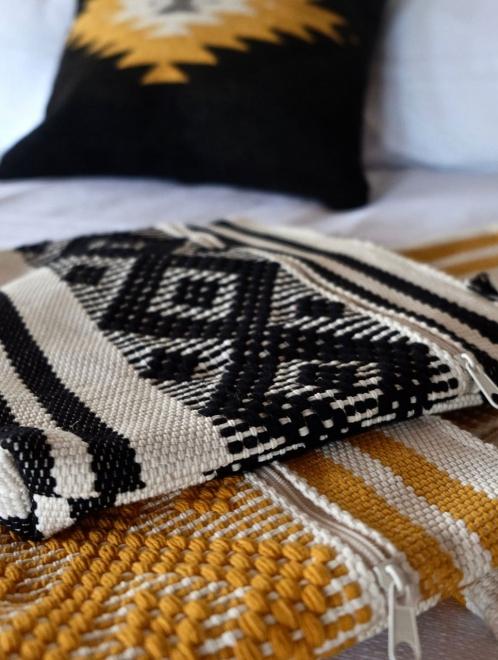 woven cotton purse in black