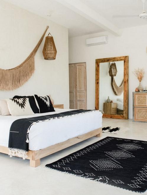Relampago Handmade Cushion | Natural + Noir