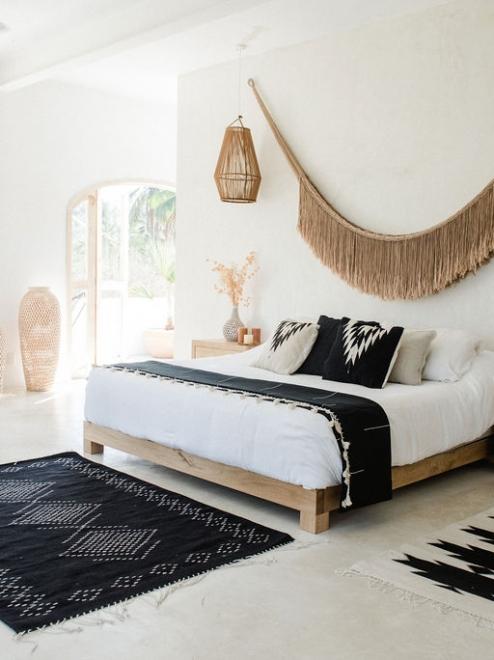 Relampago Handmade Decorative Cushion | Noir