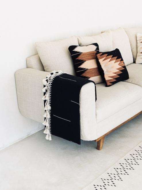Relámpago Mexican Pillow | Black + Rust